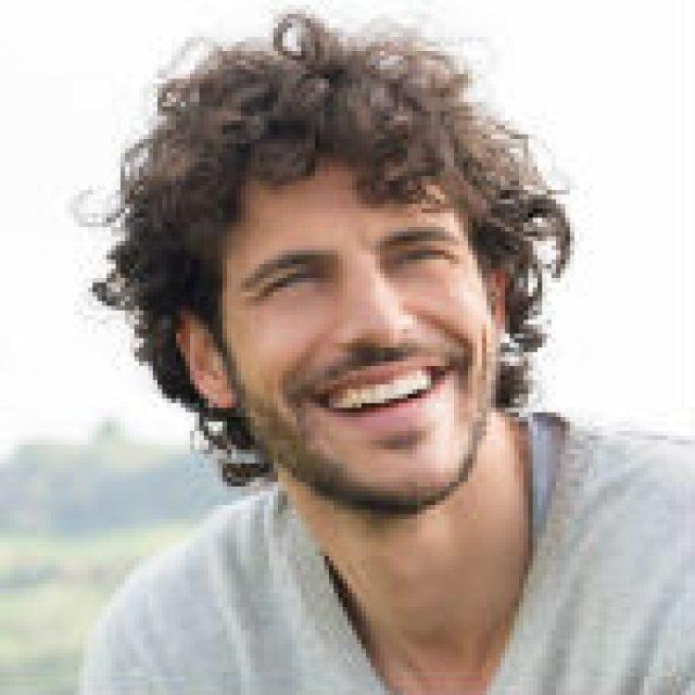 Νίκος Στρ., 37 ετών